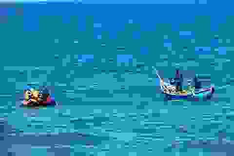 Giám đốc Ban Quản lý Cảng cá mất tích khi tắm biển