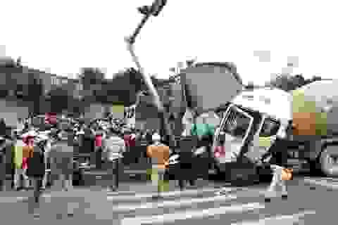 Xe bồn đâm hàng loạt phương tiện, 1 người chết, 3 người bị thương