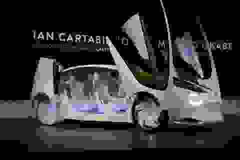 """Ngành ô tô vẽ """"bức tranh tương lai"""" tại CES 2017, ông Trump chỉnh đốn các hãng xe"""