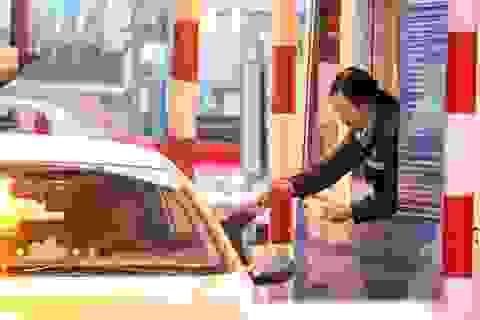 Tài xế trả tiền lẻ - chạy quay vòng, xe cẩu khủng được điều tới trạm BOT quốc lộ 5