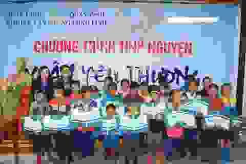 Quảng Trị: Trao hàng trăm suất quà Tết cho học sinh đồng bào dân tộc