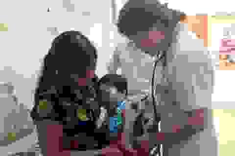 Để giảm thiểu trẻ phải nhập viện do nắng nóng đột ngột