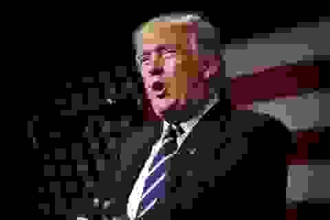 """Ông Trump """"đối đầu"""" Quốc hội ngay phiên mở màn"""