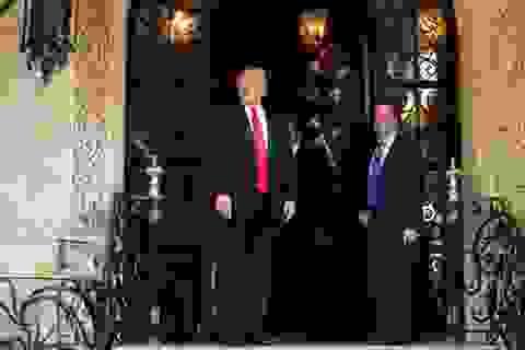 """Nhà Trắng của tân Tổng thống Trump """"tuyên chiến"""" với truyền thông"""