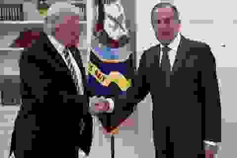 Ông Trump bị nghi tiết lộ tin tối mật cho Ngoại trưởng Nga