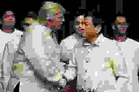 """Hé lộ """"món quà"""" 100 triệu USD Tổng thống Trump tặng Philippines"""