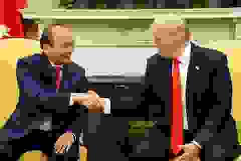Hình ảnh Thủ tướng Nguyễn Xuân Phúc hội đàm với Tổng thống Mỹ Donald Trump