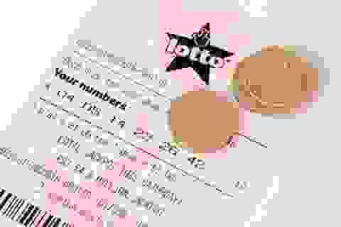 Trúng số 1 triệu USD sau khi bị vợ phàn nàn vì... mua quá nhiều vé số