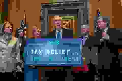 Thượng viện Mỹ thông qua cải cách thuế lớn nhất trong 31 năm qua