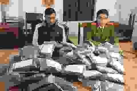 Hơn 100 gói pháo sáng gây nguy hiểm từ cửa khẩu về Thanh Hóa bị bắt giữ