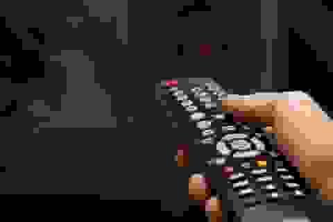 Mẹo giúp sử dụng điều khiển TV, điều khiển điều hòa chỉ với một cục pin