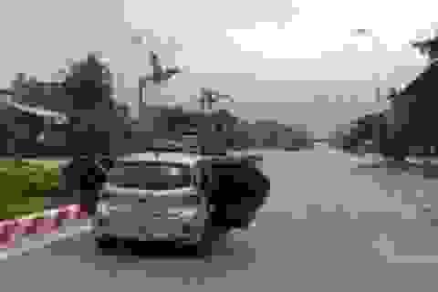 Tài xế taxi mở toang 2 cánh cửa khi lái xe đã đến công an trình diện