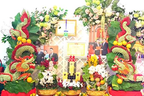 Nghệ nhân tạo hình trái cây nghệ thuật Phạm Thuần và những trăn trở với nghề