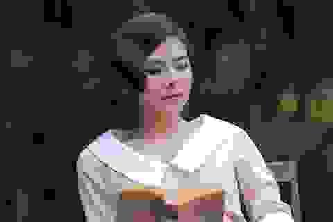 Vân Trang học hành chăm chỉ sau khi làm mẹ
