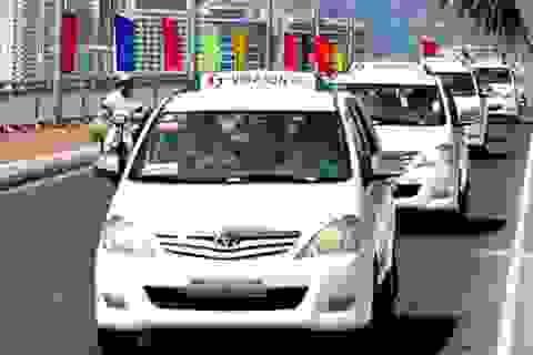 Loay hoay trong cuộc chiến với Uber, Grab, cổ phiếu Vinasun liên tục mất giá