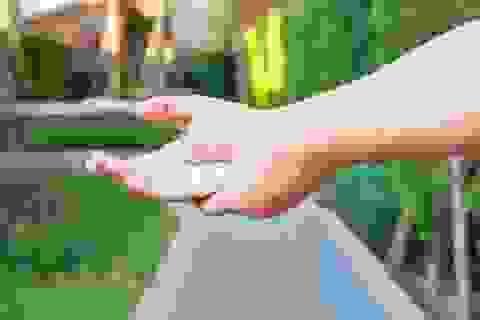 Tê tay chân - Coi chừng thiếu vitamin B12