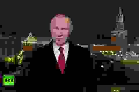 """Tổng thống Putin chúc mừng năm mới tỷ phú Trump, """"ngó lơ"""" ông Obama"""