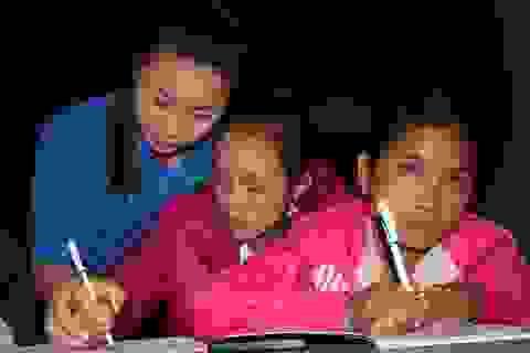 Giáo viên 8X gieo chữ ở biên giới Việt - Lào