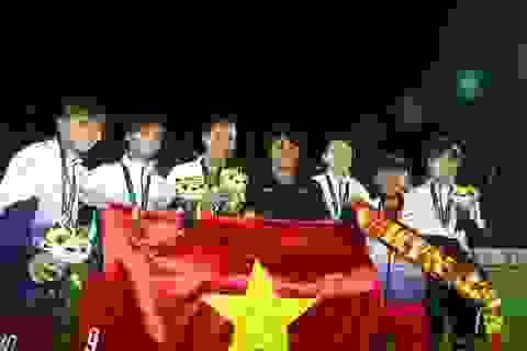 Giành HCV SEA Games 29, tuyển thủ nữ Việt Nam bật khóc nhớ bố mẹ