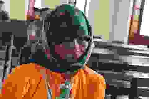 Bổ 3 nhát cuốc vào đầu vợ, người chồng lãnh 6 năm tù