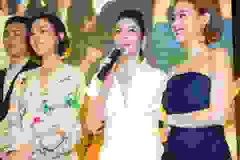 Xa Thi Mạn bất ngờ đón sinh nhật cùng nghệ sĩ Việt