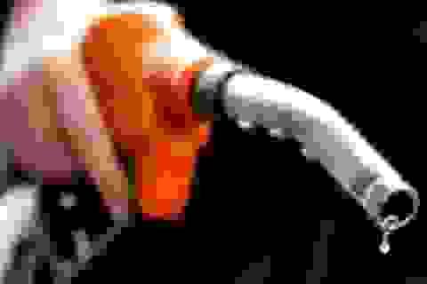 Vì sao Việt Nam vẫn phải liên tục nhập xăng dầu thành phẩm?