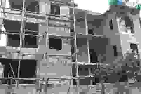 Có tiền xây nhà lầu, vẫn thuộc diện hộ nghèo