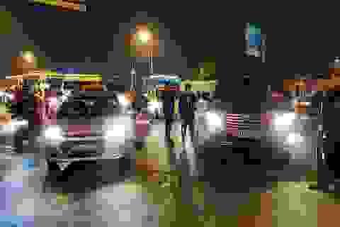 Hà Nội: Khởi tố tài xế xe biển xanh chống đối cảnh sát