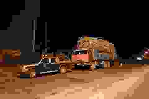 Bắt xe quá tải, một thanh tra giao thông bị đe dọa