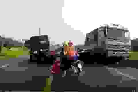 Lái xe tải đâm chết 2 người đi xe máy đã trình diện công an