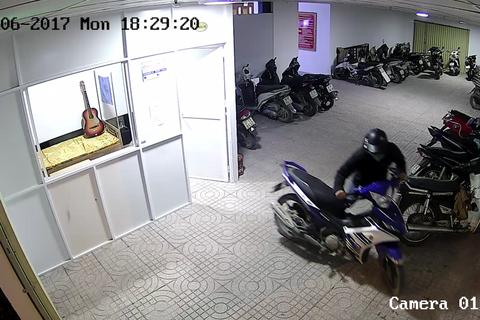 """15 phút và 2 chiếc xe máy trong chung cư """"bay mất"""""""
