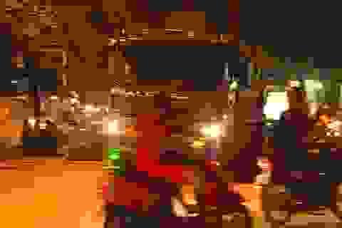 """Hà Nội: Xe tải lớn, xe trộn bê tông """"lộng hành"""" trong giờ cấm"""