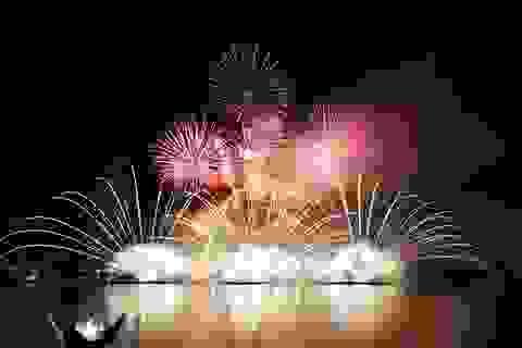 Úc, Ý thi tài phác họa danh thắng Ngũ Hành Sơn với pháo hoa