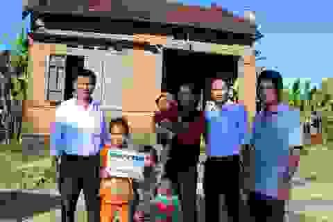 """Hơn 85 triệu đồng được trao đến 5 mẹ con sống """"lay lắt"""" với 15kg gạo mỗi tháng"""