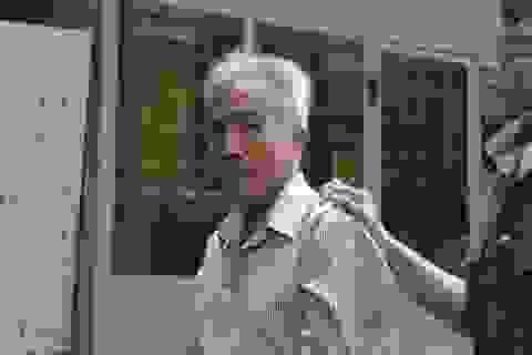Ông già 60 tuổi giết người ngủ cạnh vợ vì ghen
