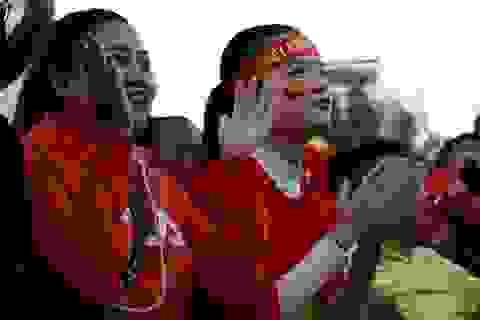 """Lắp màn hình """"khủng"""" phục vụ người dân phố núi xem chung kết U23 Châu Á"""