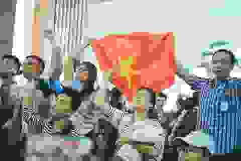 Trường đại học mời bình luận viên trực tiếp cho trận chung kết U23 phục vụ SV
