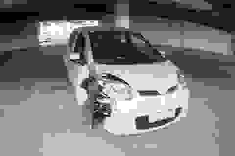 Bài học cho đại lý, xưởng dịch vụ có thói quen để chìa trong xe ô tô không khoá