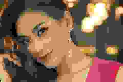 Á hậu Diễm Trang diện trang phục hở bạo dù đã qua một lần sinh nở