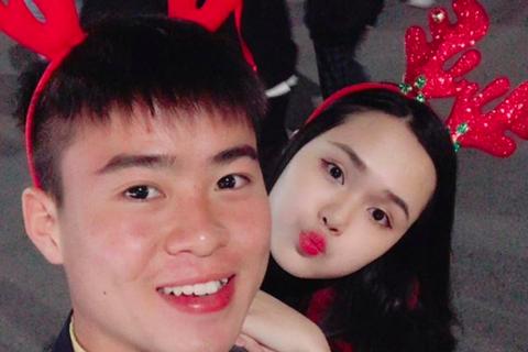 """Duy Mạnh U23 Việt Nam hội đủ tiêu chuẩn """"bạn trai quốc dân"""""""