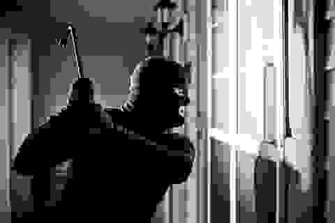 Trộm đột nhập phòng làm việc của hàng loạt lãnh đạo huyện