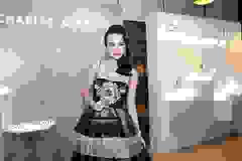 Angela Phương Trinh đầy gợi cảm và nóng bỏng trong một sự kiện thời trang