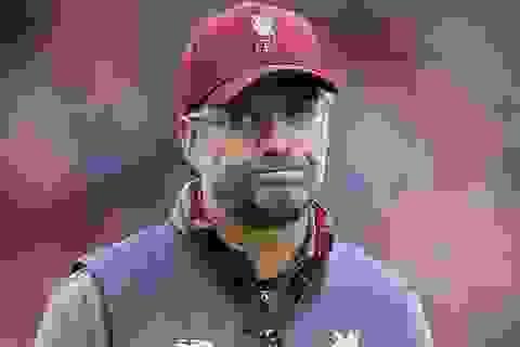 """Vì sao Klopp """"buồn"""" dù Liverpool đang bất bại ở Premier League?"""