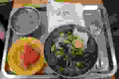 Bắc Kạn: Nâng cao chất lượng bữa ăn bán trú tiểu học