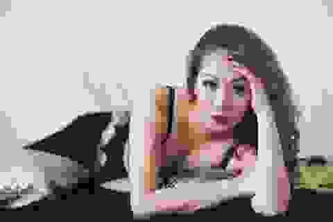 Hoa hậu Ngô Phương Lan bất ngờ tiết lộ bị chèn dây thần kinh nằm liệt giường
