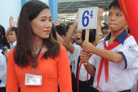 Bộ GD&ĐT giải thích vì sao học sinh phải học chương trình nặng