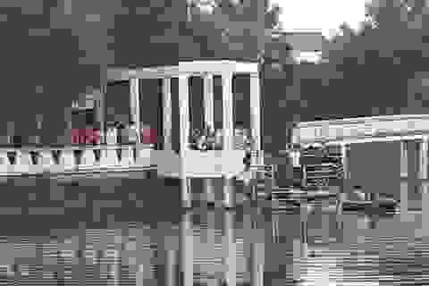 Lật thuyền khi câu cá, 2 học sinh tử vong