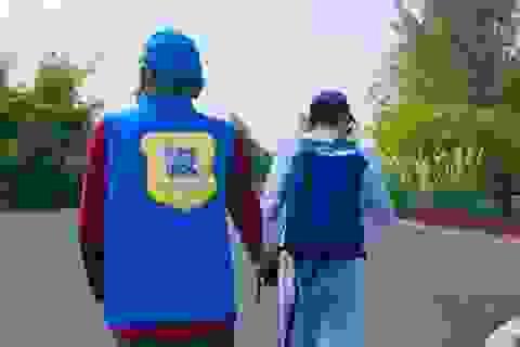 Con trai in mã QR lên áo người cha bị mất trí để đề phòng đi lạc