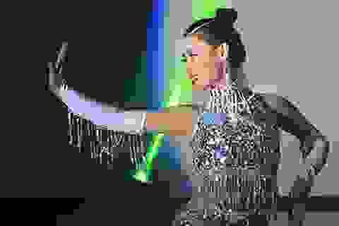 Nữ sinh Tài sắc Phương Đông lộng lẫy như Hằng Nga trong vũ điệu ngắm trăng