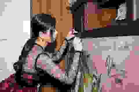 Ồn ào vì Mr. Đàm ký tên vào tranh: Bài học về cách hành xử với nghệ thuật
